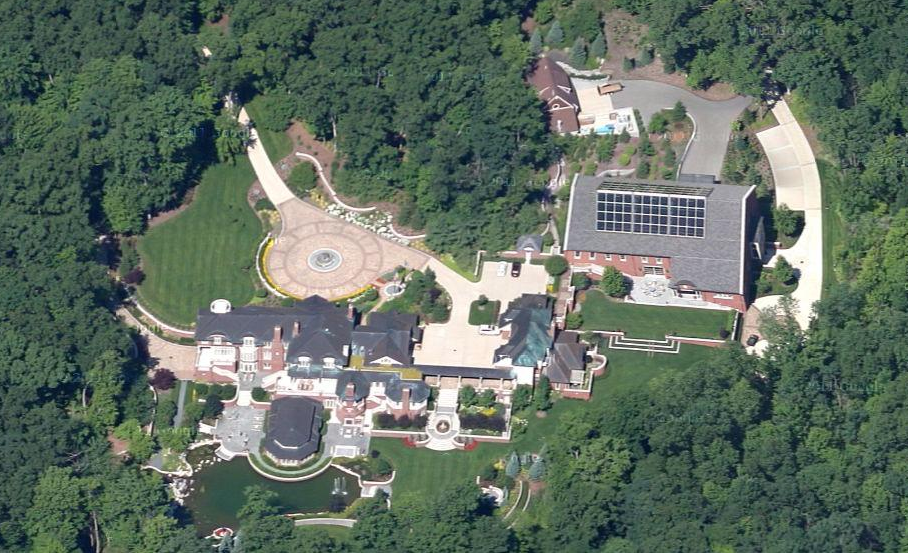 The Devos Brothers Michigan Mansions Homes Of The Rich