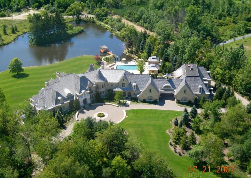Floyd Mayweather Garage >> 32,000 Square Foot European Inspired Mega Mansion In Rochester Hills, Michigan | Homes of the Rich
