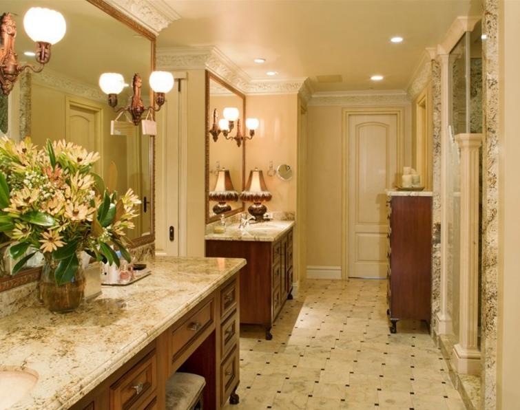 $6.2 Million Italianate Waterfront Home In Bellevue, WA