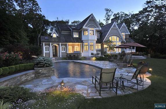 $4.595 Million Newly Listed Shingle Style Home In Saddle River, NJ