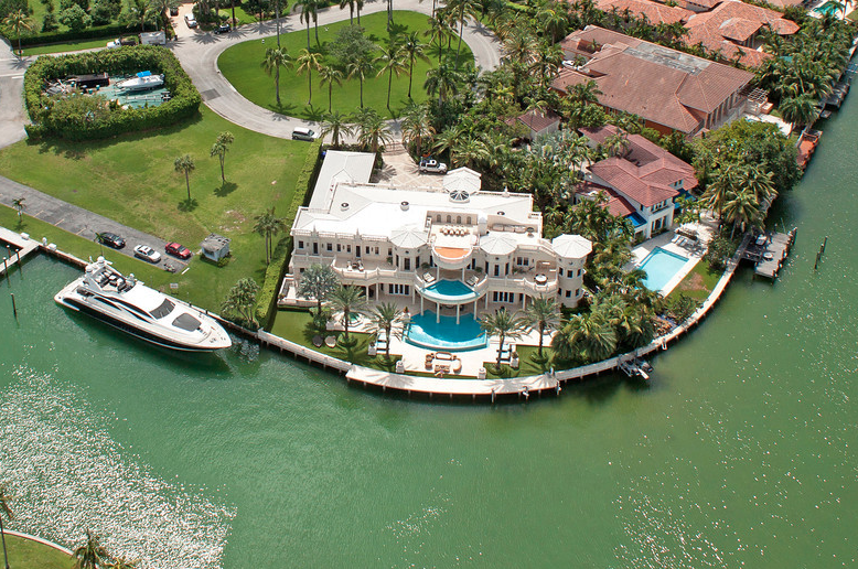Poll Which Waterfront Florida Mansion Do You Prefer
