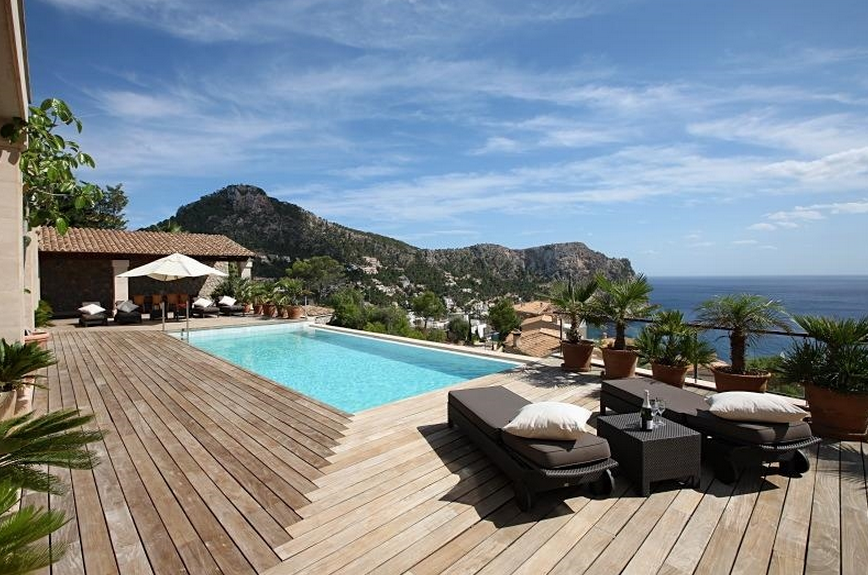 $18 Million Contemporary Villa In Mallorca, Spain