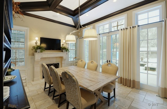 $7.595 Million Mansion In Winnetka, IL With Indoor Basketball Court