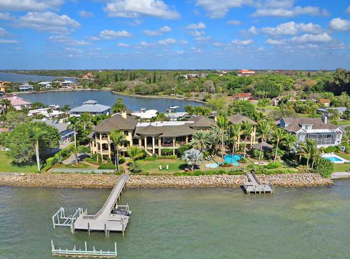 Villa Solstice – A $14.9 Million Waterfront Mansion In Sarasota, FL