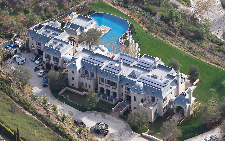 Interior Pictures Of Tom Brady & Gisele Bundchen's Brentwood, CA Mega Mansion!