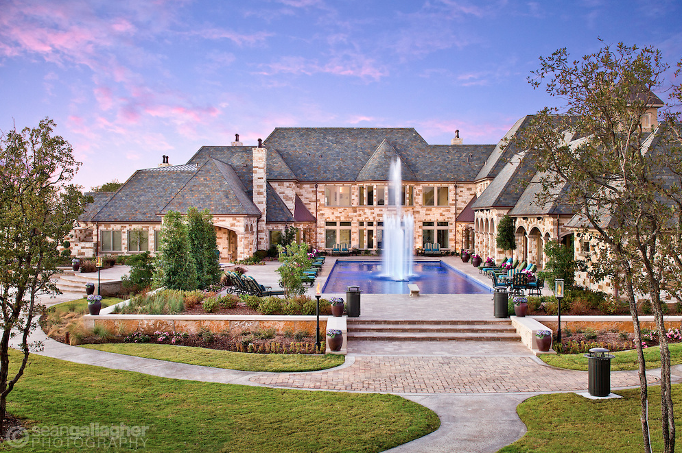 Nevada Mansion Backyard Water Park : Stunning Texas Mansion Has Its Very Own Water Park  Homes of the Rich
