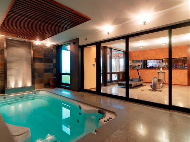 A Look At Some Indoor Hot Tubs From Houzz.com