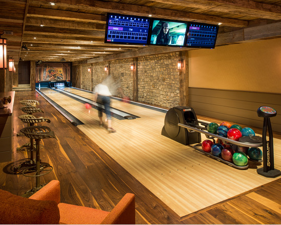 Entertainment filled estate in newtown pa homes of the rich for Indoor game room ideas