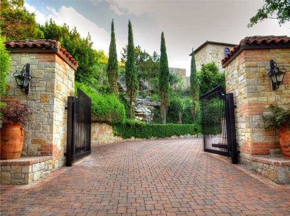 10 Acre Tuscan Waterfront Estate In Austin Tx Homes Of