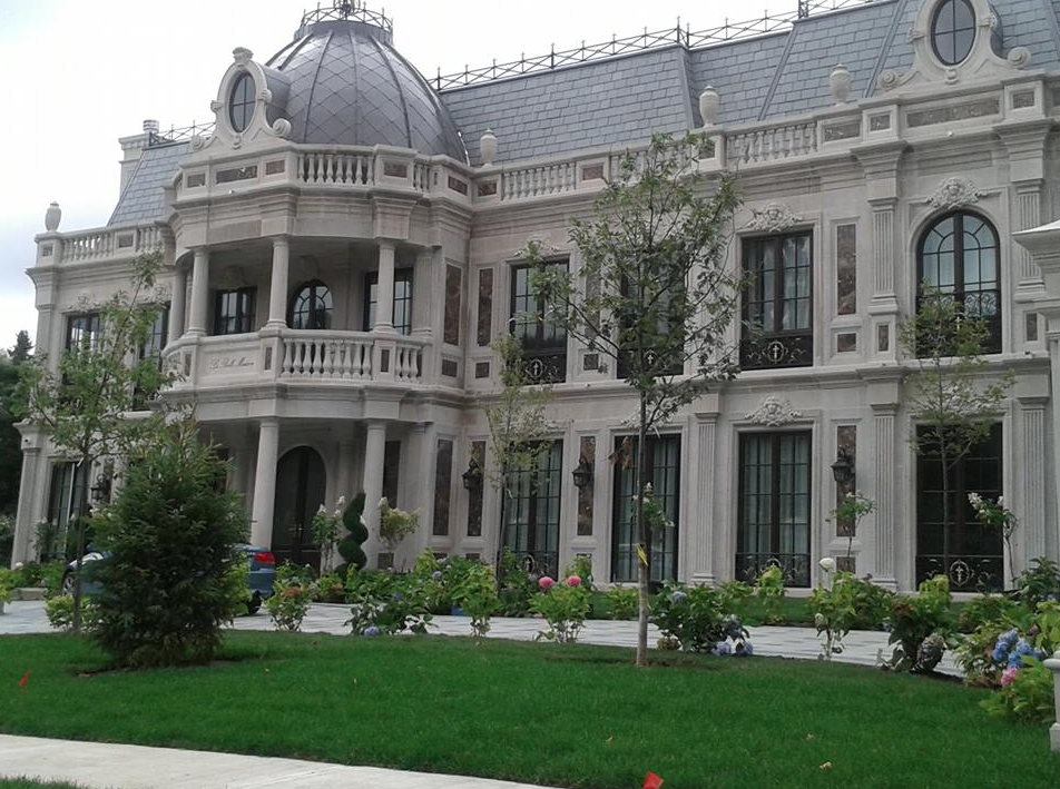 It is between 15000 and 20000 square feet and is dubbed la belle maison which is