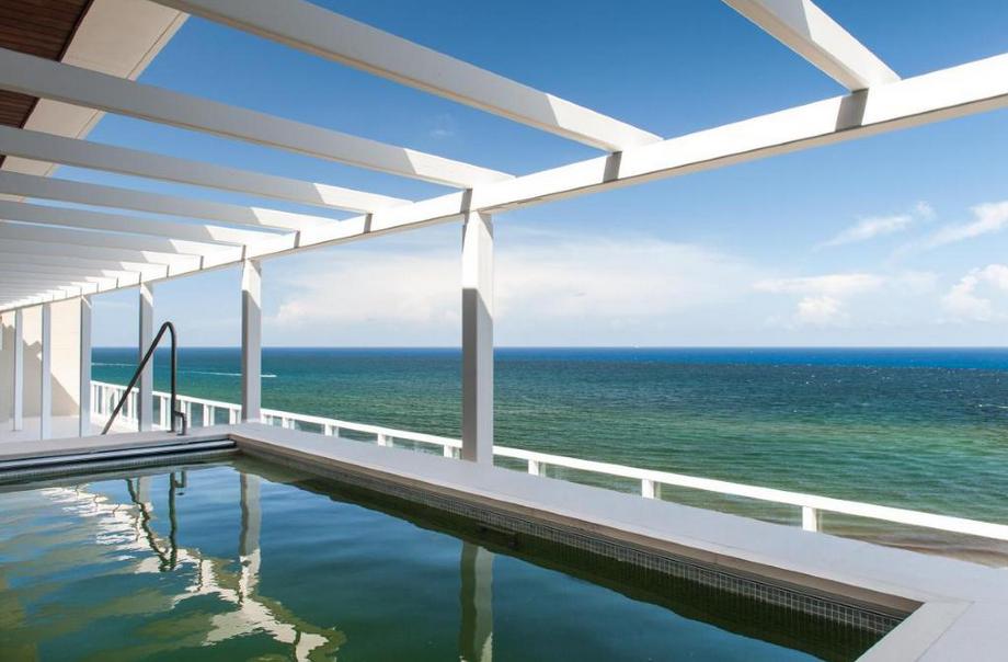 $13.5 Million Oceanfront Penthouse In Boca Raton, FL