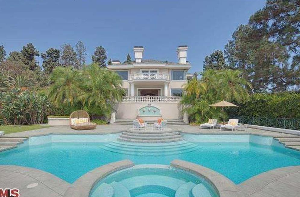 $19.5 Million Golf Club Mansion In Los Angeles, CA