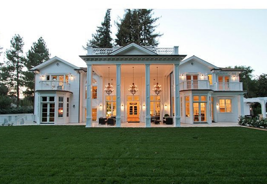Two Newly Listed Atherton Ca Mansions Homes Of The Rich