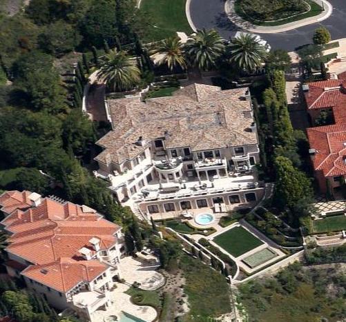 Villa Di Pietra – A European Inspired Mansion In Newport Coast, CA