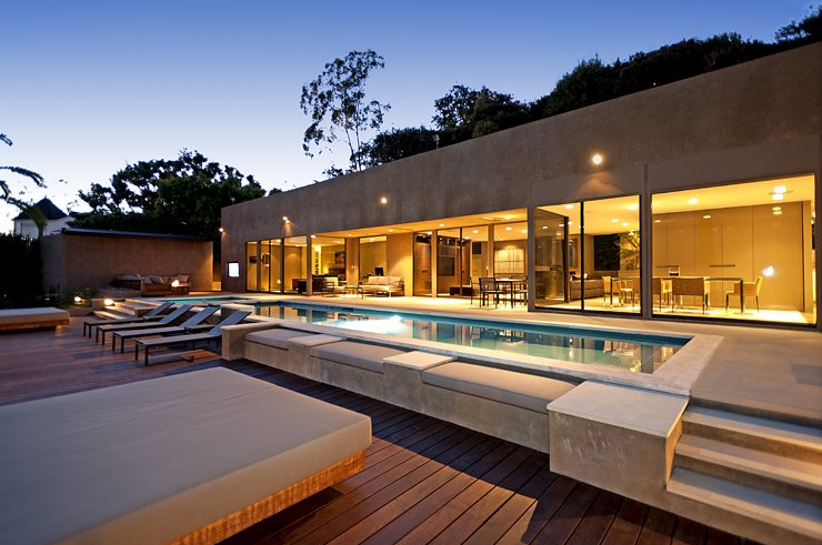Whipple russell architects homes of the rich for Contemporary homes los angeles