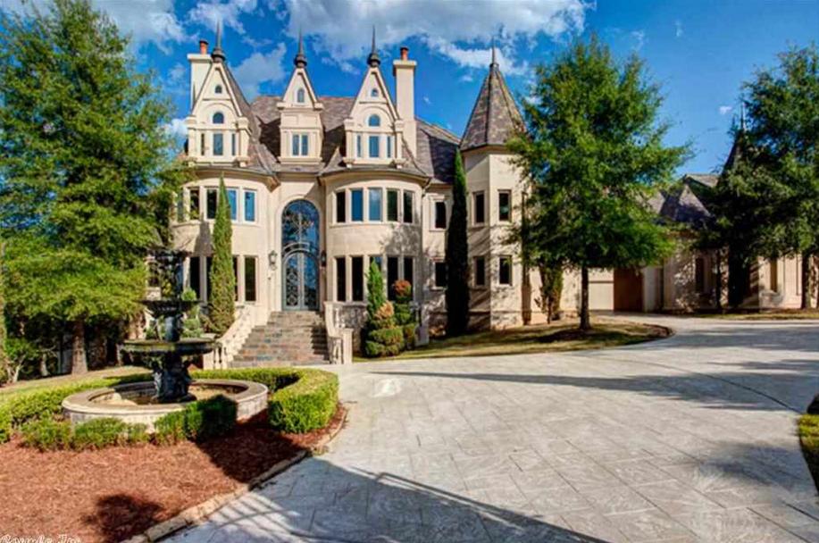 13 000 square foot castle like mansion in little rock ar for Little rock custom home builders