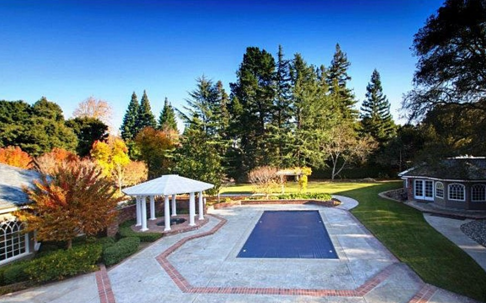 Newly Listed $33 Million Estate In Atherton, CA