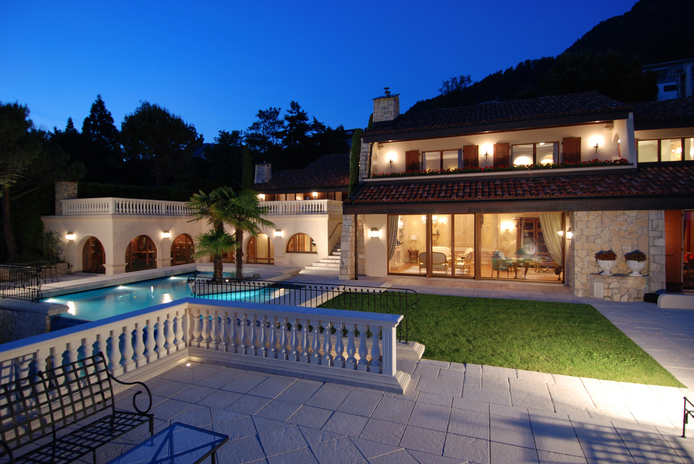 $21 Million Waterfont Mansion In Switzerland