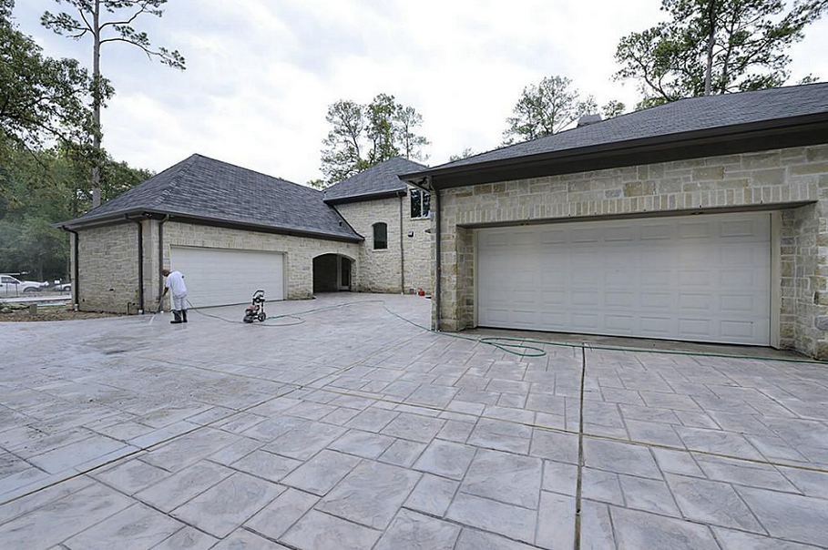 $4.995 Million Newly Built Stone Mansion In Houston, TX