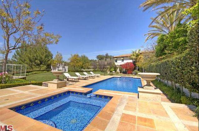 $8.995 Million Mediterranean Mansion In Beverly Hills, CA