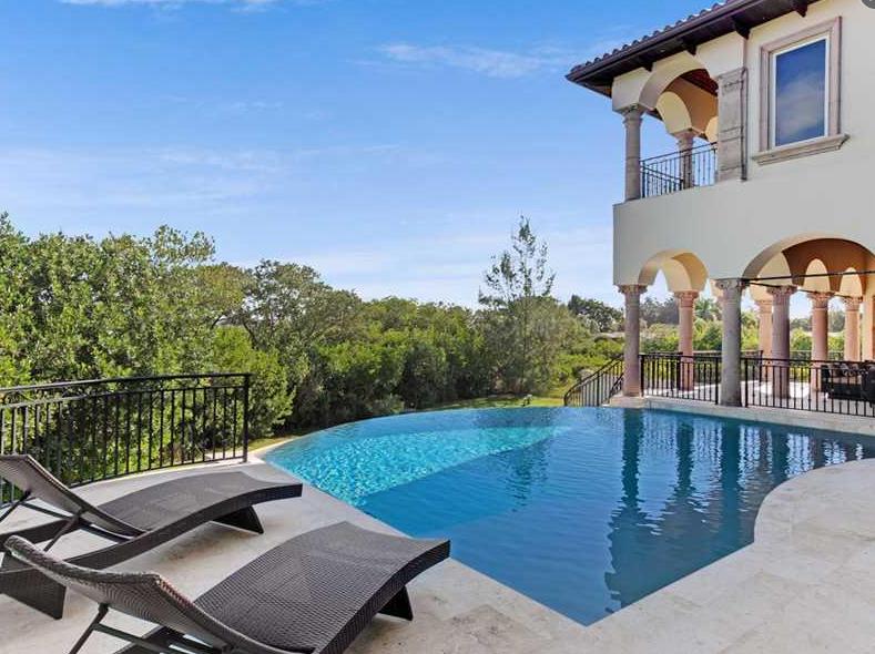$5.595 Million Gated Waterfront Mansion In Nokomis, FL