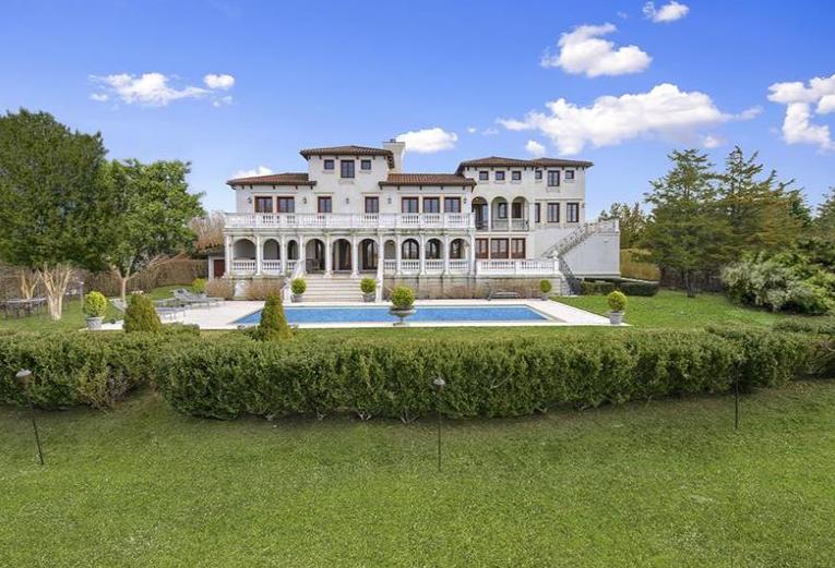 $19.995 Million Waterfront Mediterranean Mansion In Bridgehampton, NY