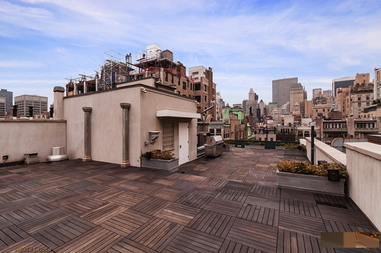 Newly Listed $114 Million Opulent Townhouse In New York