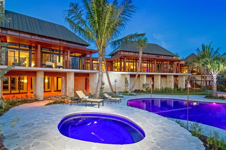 Ohana – A Tropical Inspired Waterfront Estate In Longboat Key, FL