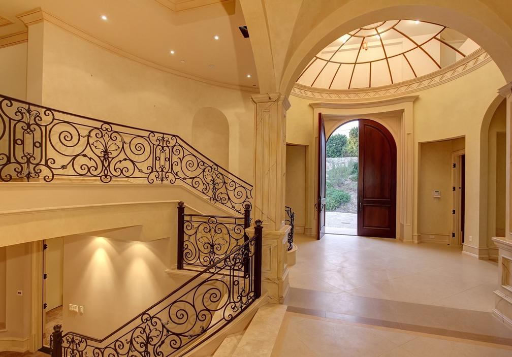 Superieur $7.9 Million Mediterranean Mansion In Beverly Hills, CA With Lavish Interior