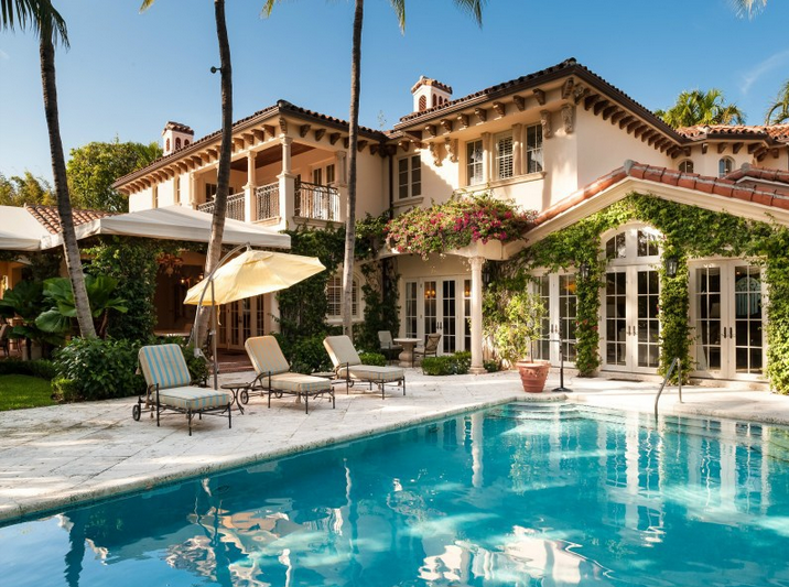 $9.975 Million Mediterranean Mansion In Palm Beach, FL