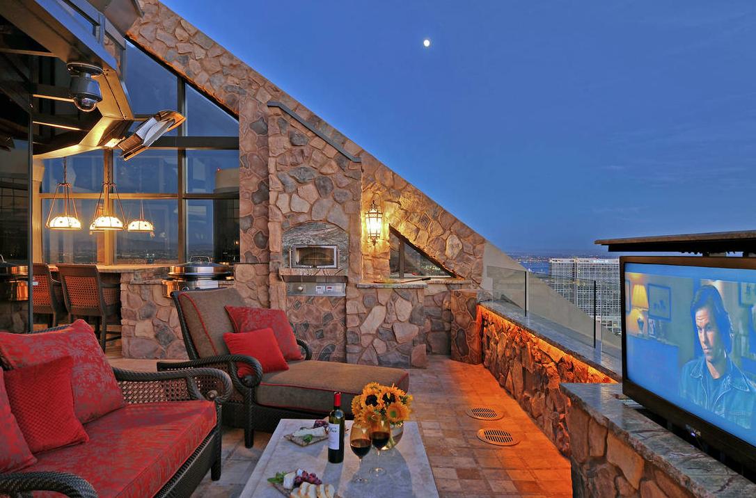 $9.975 Million Penthouse In San Diego, CA