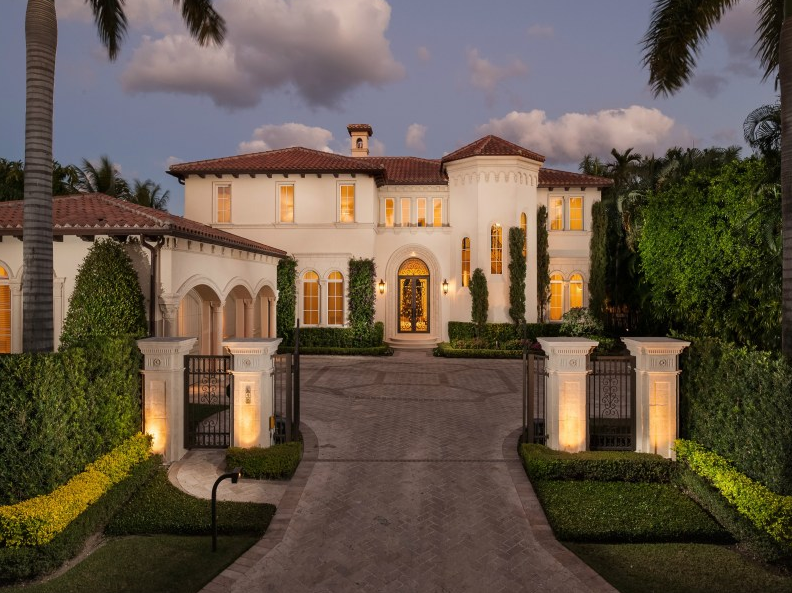 15 75 Million Newly Built Mediterranean Waterfront Mansion In Palm Beach Fl Homes Of The Rich