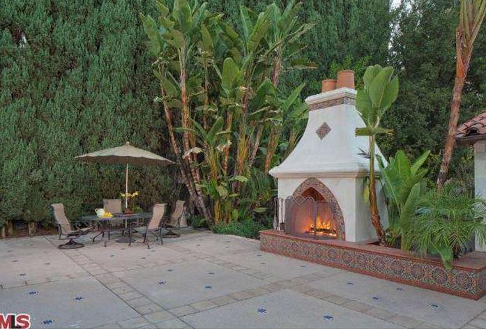 $5.2 Million 1930's Spanish Style Estate In Encino, CA