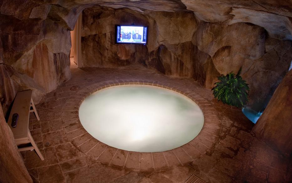 indoor hot tub makin 39 it rain lol pinterest. Black Bedroom Furniture Sets. Home Design Ideas