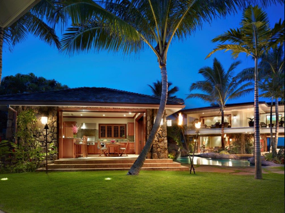 $24.95 Million Waterfront Estate In Kailua, HI