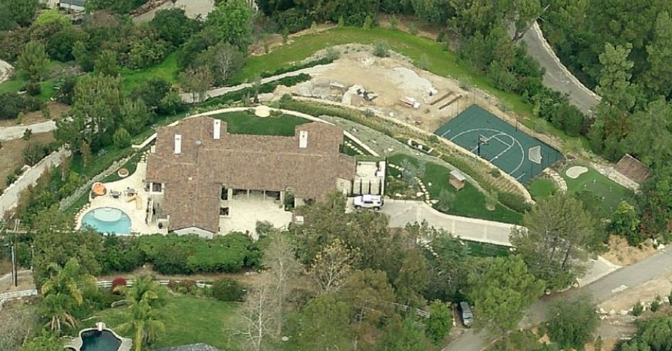 $7.9 Million Spanish Style Home In Rolling Hills, CA