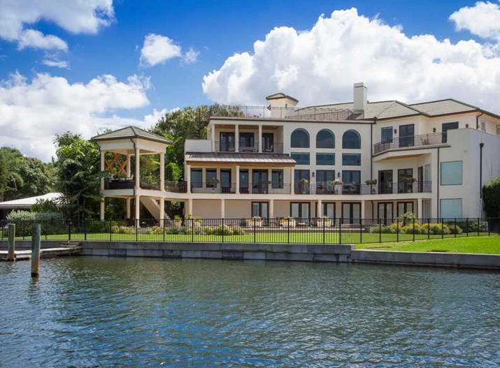 $8.25 Million Waterfront Mansion In Sarasota, FL