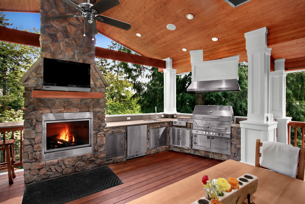 a look at some outdoor kitchens from homes of the rich the 1 real estate blog. Black Bedroom Furniture Sets. Home Design Ideas