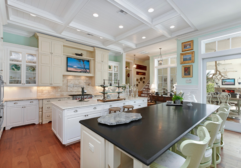 A Look At Some Kitchens With Double Islands Homes Of The Rich