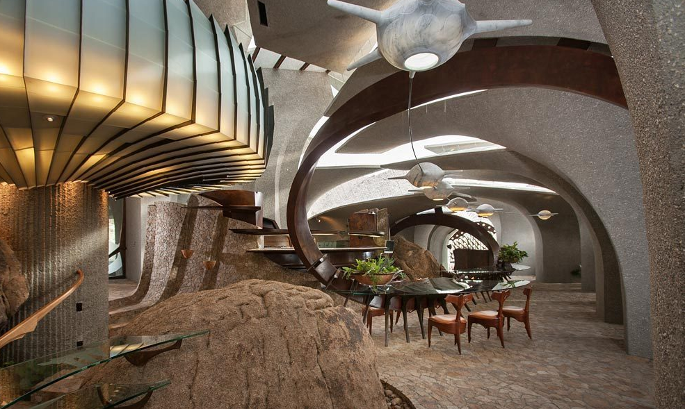 Architectural mountaintop masterpiece in joshua tree ca for Crazy interior designs
