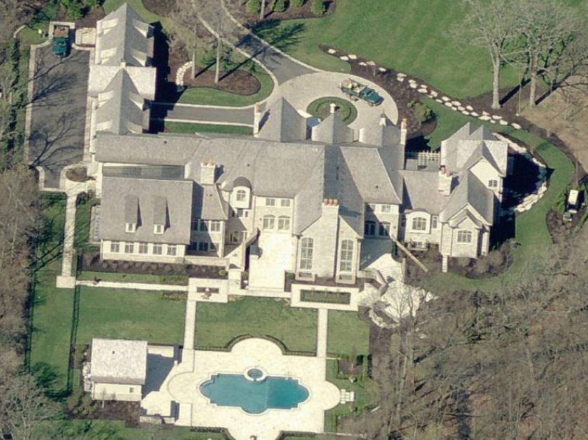 The CEO Of Motorola Solutions' Illinois Mega Mansion