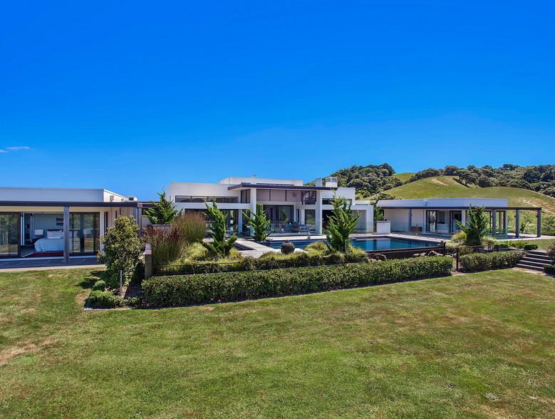 80 Acre Ranch Style Estate In Auckland, New Zealand