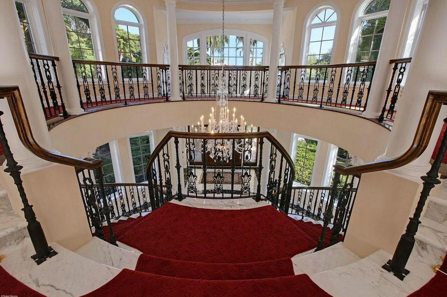 $10.9 Million Gated Waterfront Estate In Hobe Sound, FL