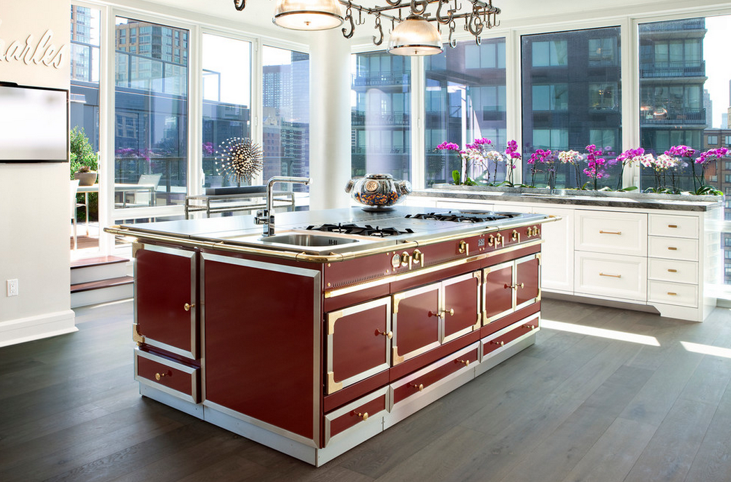 A Look At Some Gourmet Kitchens With La Cornue Ranges | Homes of ...