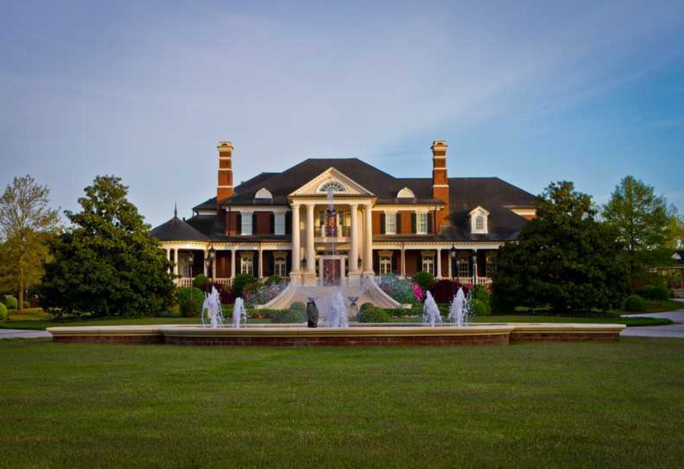Newly Listed 28 000 Square Foot Mega Mansion In Suwanee Ga Homes Of The Rich