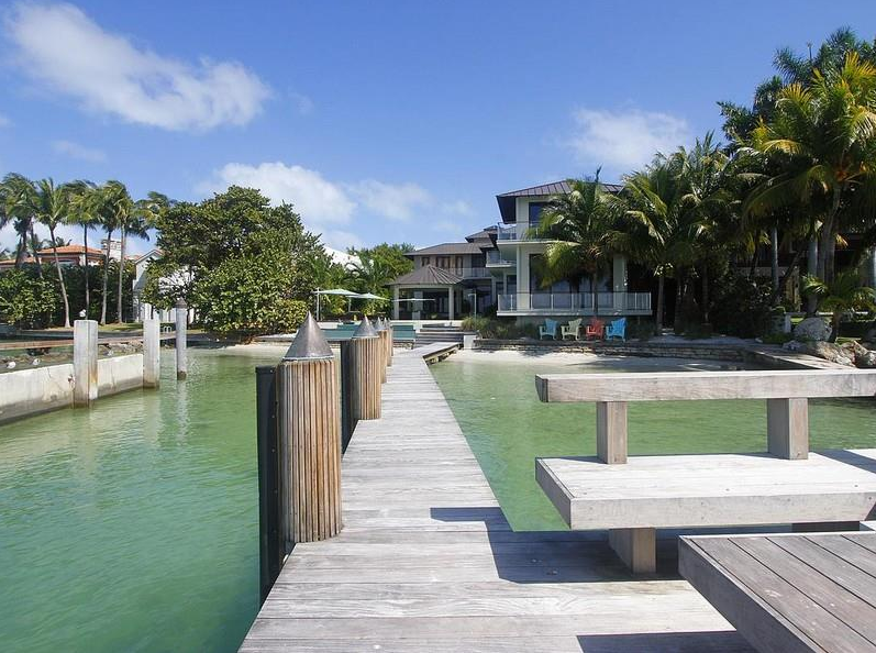 $25 Million Waterfront Contemporary Mansion In Key Biscayne, FL