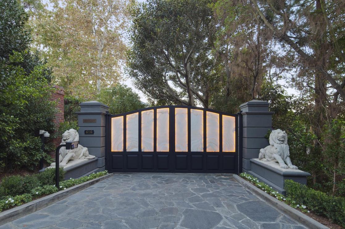 The 65 Million Lionsgate Estate In Los Angeles Ca