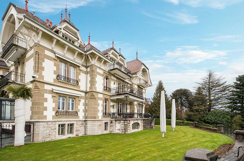 Historic 1900 Lakefront Mansion In Switzerland