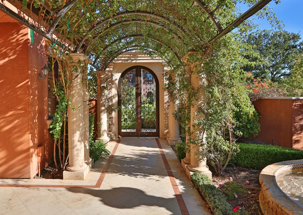 $13.95 Million Newly Listed Mediterranean Mansion In Calabasas, CA