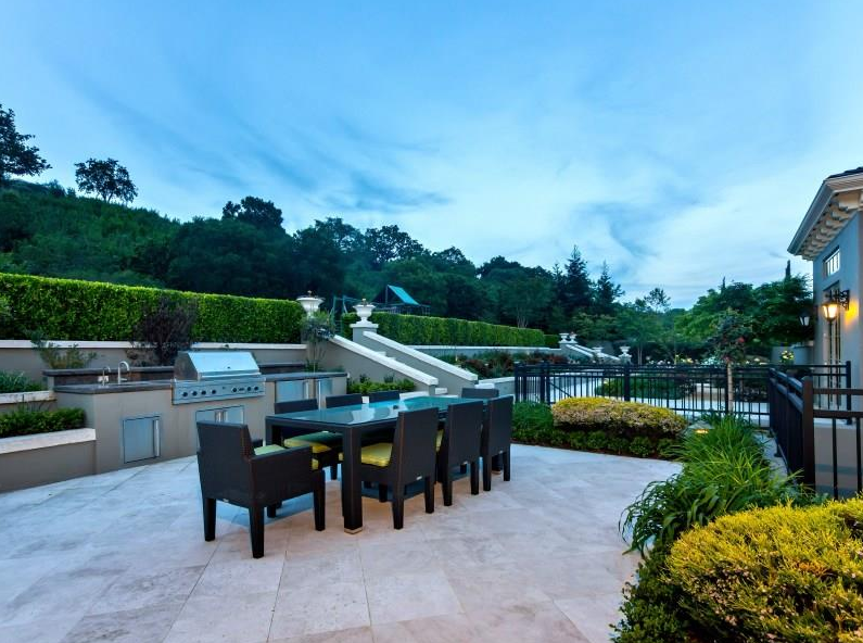 $8 Million Lakefront Home In Los Altos Hills, CA